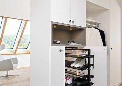 Innenausbau-Garderobe-Schuhschrank